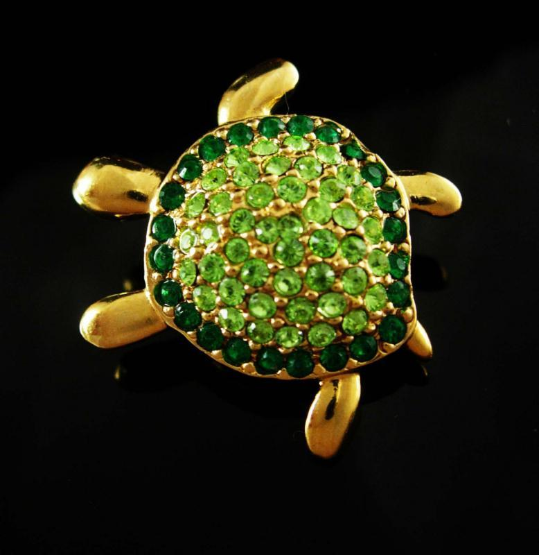 Rhinestone Monet Turtle Brooch Sea creature Vintage Figural Green Whimsical Marine Life  Wildlife Oceanic Nautical Novelty lapel pin