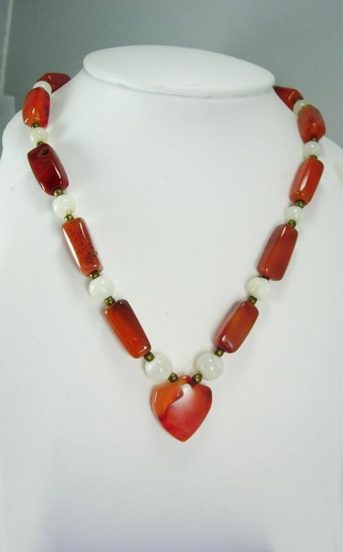 Hippie Agate Heart Necklace September Birthstone Virgo Libra Birthday friendship jewelry Vintage Chalcedony polished beads 15