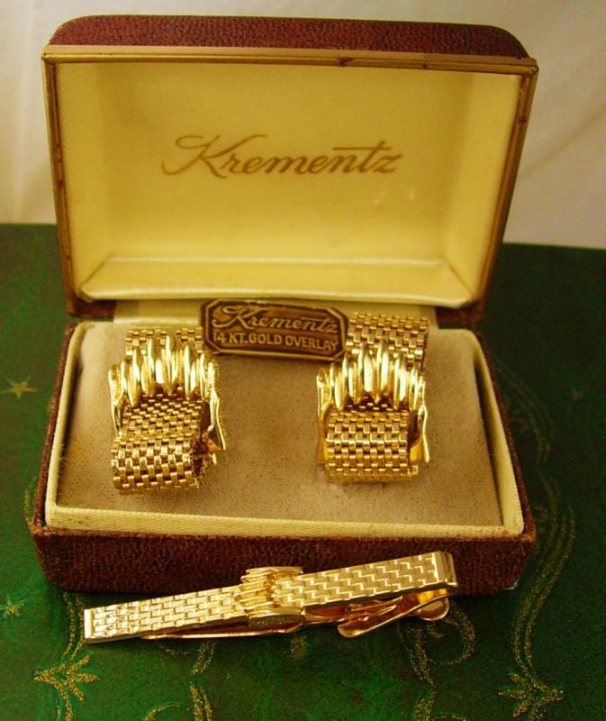Krementz Hand Crafted 14kt Gold Overlay Cufflinks Vintage Tie Clip Set Mesh Wrap Original Box Original Warranty Document Never Worn Tie bar