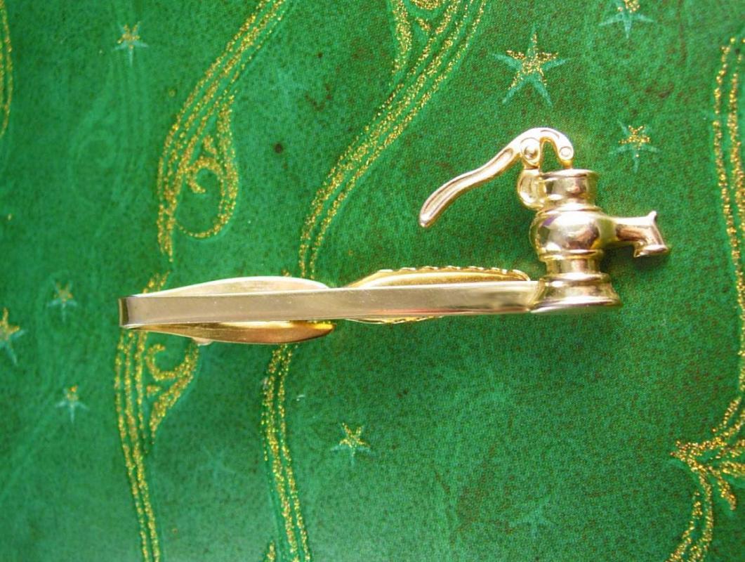 Antique Water pump Tie Clip Industrial Pipefitter Pump Tie Bar Advertising  Men's Tie Accessory plumber plummer gift Tie bar
