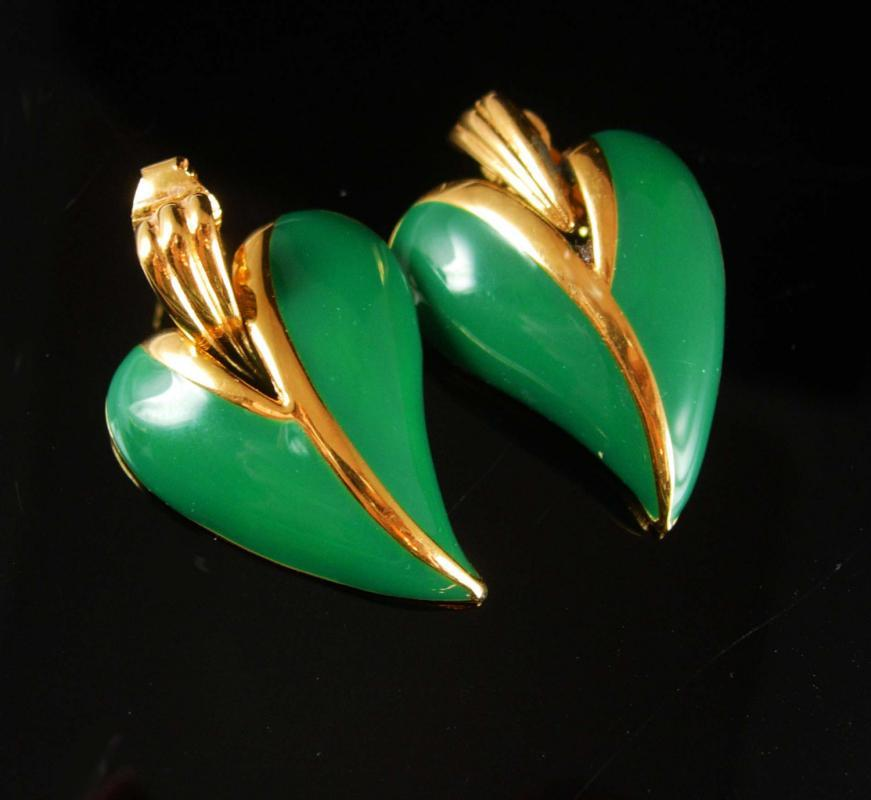 Green Leaf Earrings Signed Clip on Women's unusual Ivy shape ladies gold costume jewelry