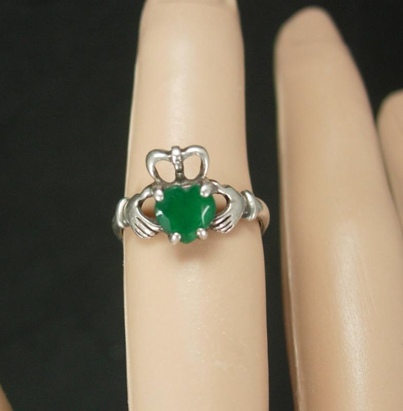 Sterling IRISH Claddagh Ring Vintage Chrysoprase Ireland silver Celtic Heart Loyalty Friendship Jewelry size 5 birthstone anniversary
