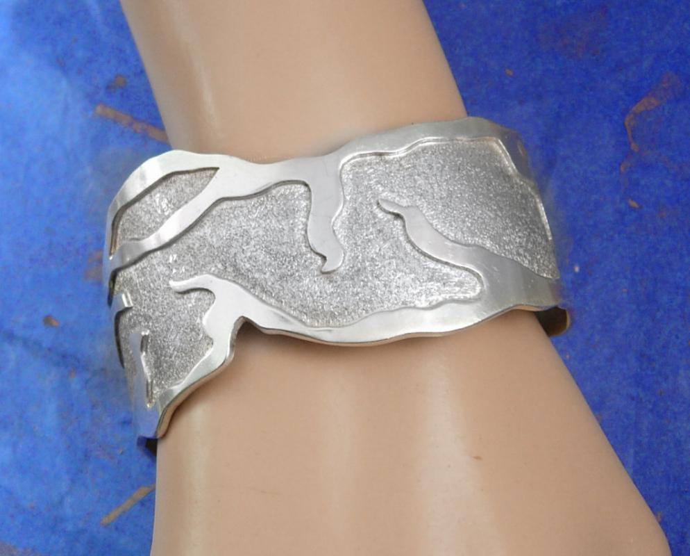 Signed Sterling Large Cuff bracelet Taxco Wide Cuff with relief Mexico mens womens tm-90 925 thick and well made  54.7 grams Molina