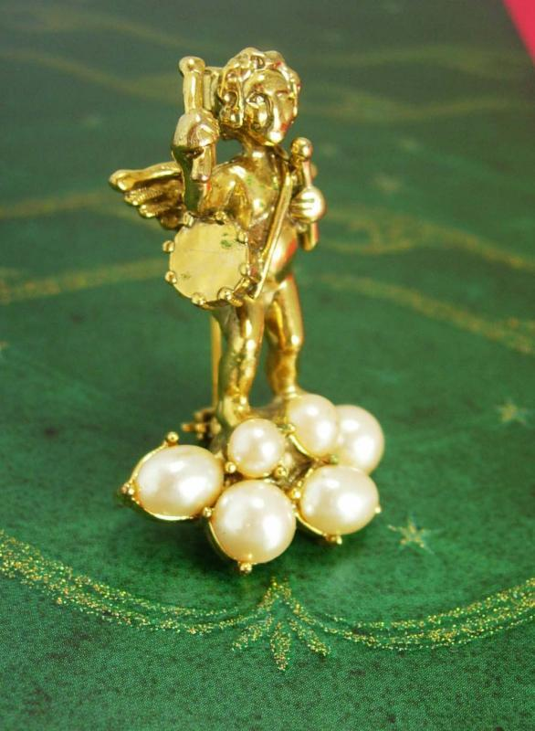 Large Victorian Angel Brooch pearl cherub with drum  Sweetheart Love is in the air high quality figural gold christian jewelry