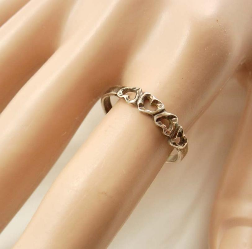 Valentines day Ring Vintage Sweetheart Promise Sterling Silver Friendship Signed Hallmarks 925 hearts size 7 1/2 valentines
