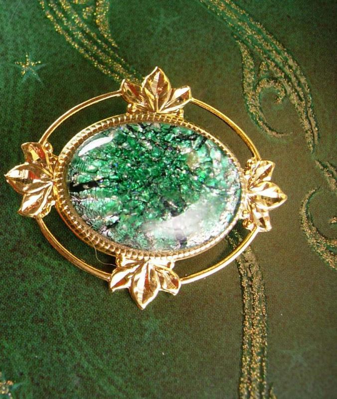 Victorian Style Brooch Vintage Foil Cabochon Women's Green Decorative Blouse Jewelry