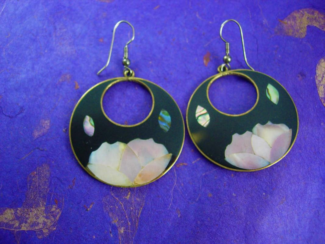 Mosaic Elegance Vintage MOP Floral Dangle Earrings Women's Pierced Ears Signed Mexico Jewelry