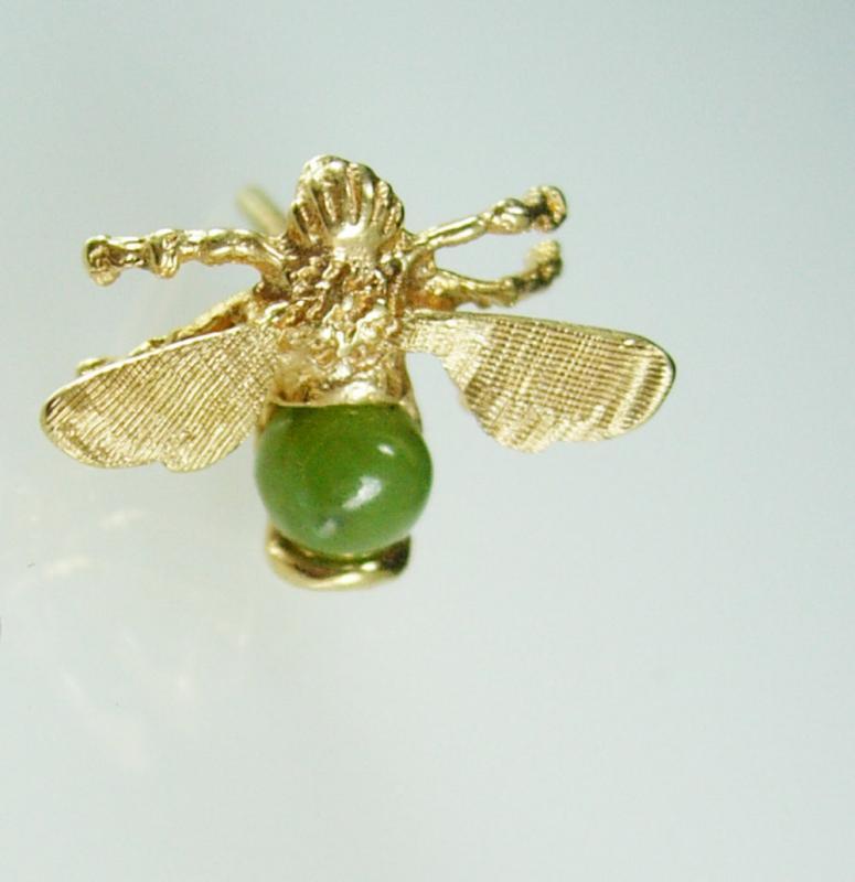 Mystical  BEE tie tack Oriental cufflinks Gold jewelry Virgo Birthstone Symbol of love 12th 30th 35 wedding anniversary insect fly moth