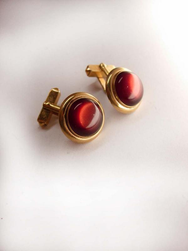 Vintage cuff links Vintage Round Red Moonglow Cufflinks Fancy designer Signed Swank