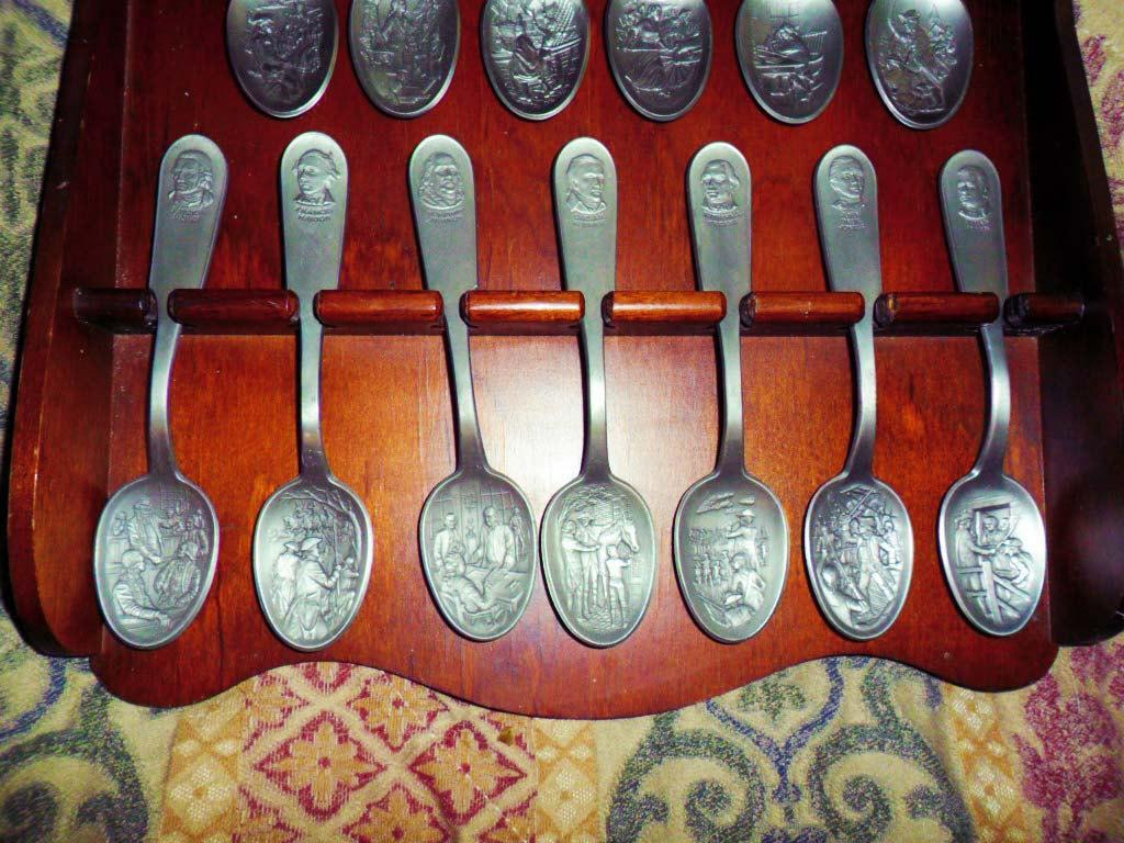 VIntage Historical Spoon set  13 American Patriots Washington Jefferson Franklin