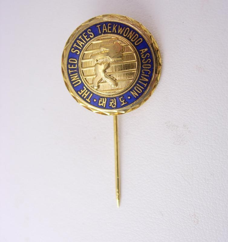 Karate Stick pin United States Taekwondo association stickpin blue enamel gold figural fighting competition martial arts