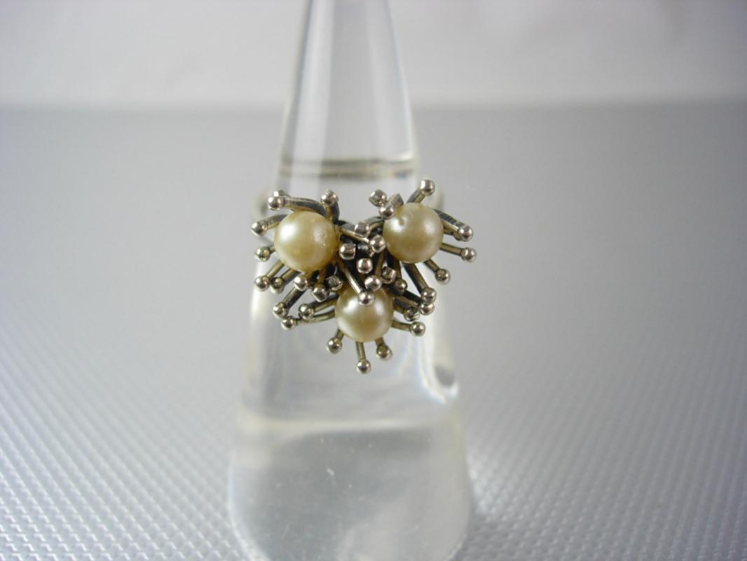 Sputnik 3 Pearl Ring Vintage Beau Sterling Silver 3.7 Grams  Classy Adjustable Size 6- 6 1/4