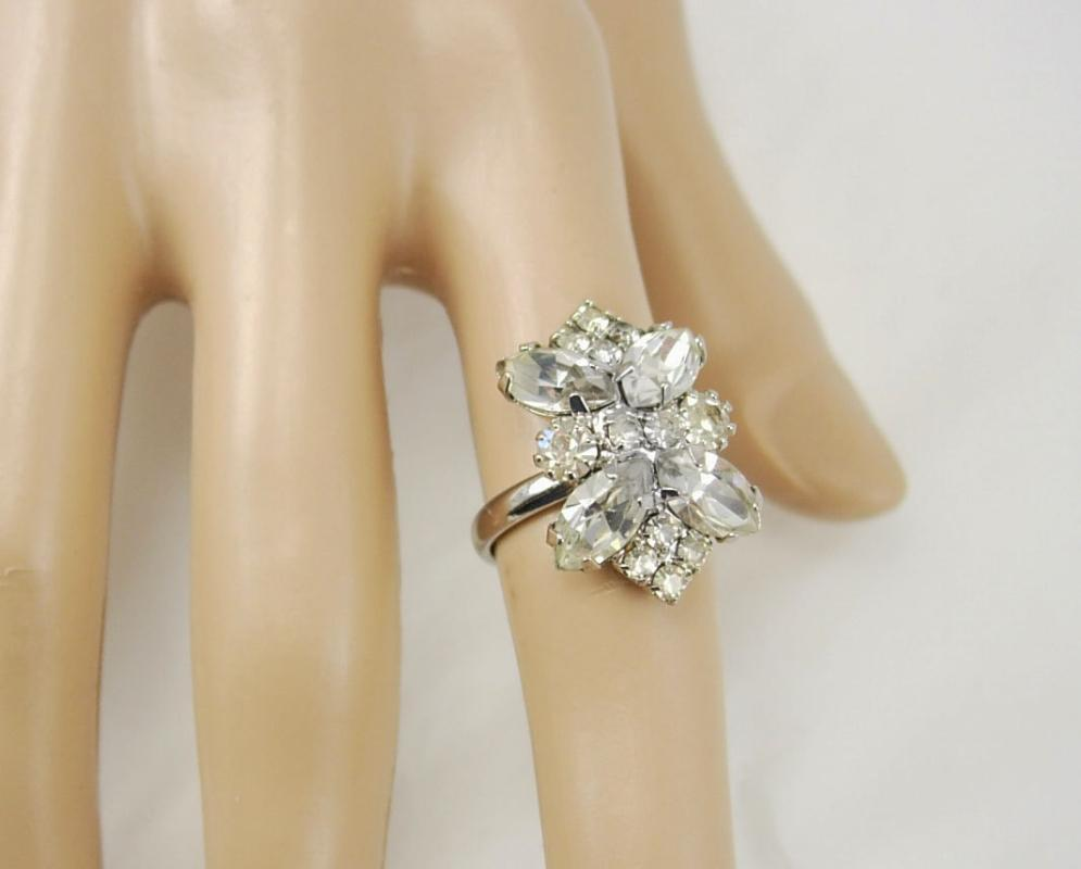 Vintage Rhinestone Cluster Ring Size 6 Cocktail Party  Birthday Anniversary womens ladies jewelry