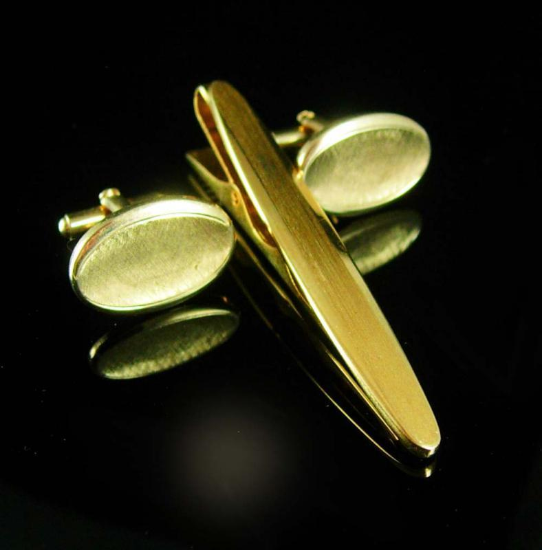 Distinctive Vintage Cufflinks bonus Gold long tie clip Wedding groom father of the bride Business suit attire Tie bar