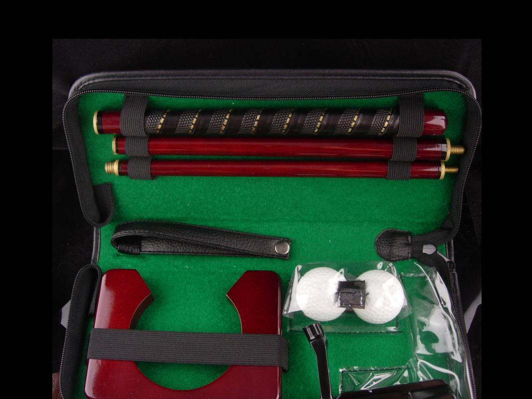 Travel case with Golf putter - golf balls - original case - Retirement gift  -mens Sports - thank you gift - gift for boss -groomsman gift