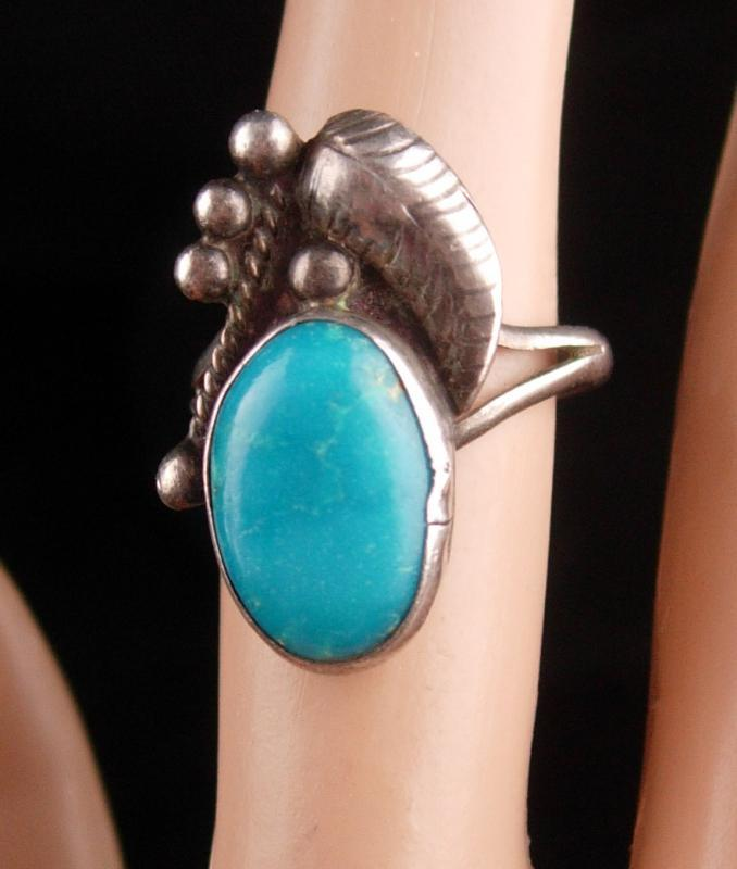 Large signed turquoise Ring - Vintage sterling silver - Size 6 -  Women's 5th &11th Anniversary - native american jewelry - southwest design