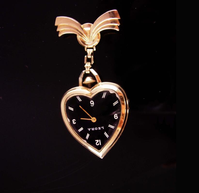 8930ca4558d 1940's Heart Watch brooch - vintage lapel pin - Leora Chatelaine watch - gold  heart - sweetheart jewelry works great