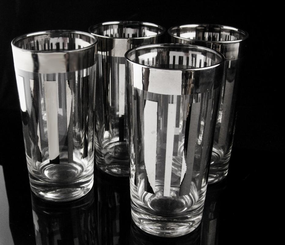 Vintage Dorothy Thorpe Water Glasses - Platinum Rim & Stripes - Chrome silver tumbler Tom Collins set of 4 - mid century modern