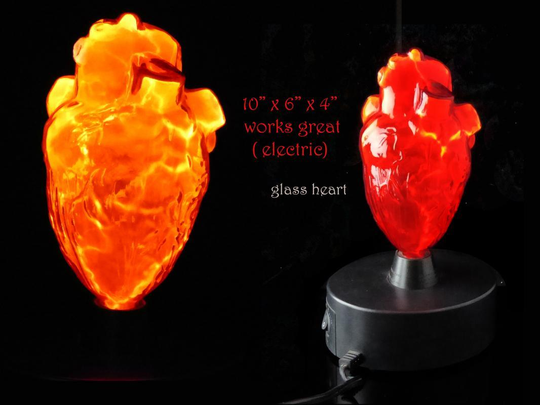 Vintage Light Up glass Heart lamp - science model - Anatomical Medical art - 10