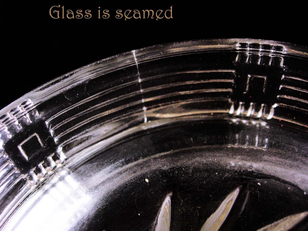 Vintage Depression Glass Juicer - Basket weave pattern- clear lemon reamer with spout