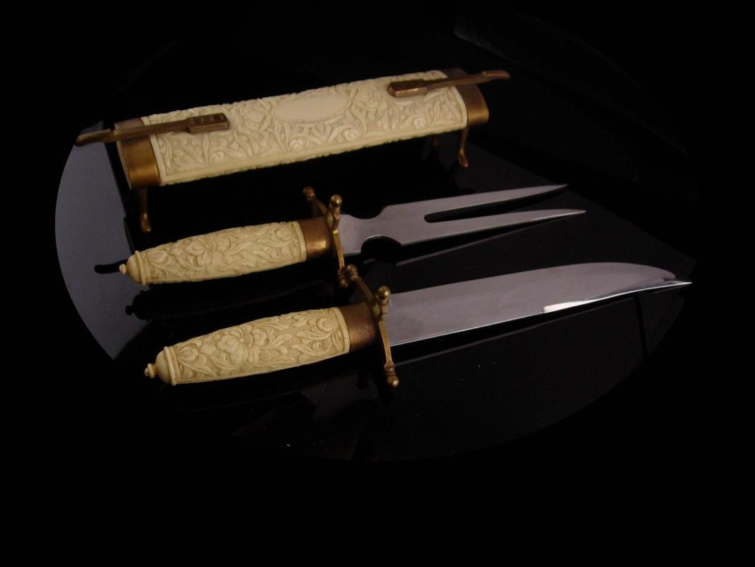 Medieval Cutlery set - samurai set - fifth avenue renaissance revival - meat knife & fork - vintage Englishtown serving pieces