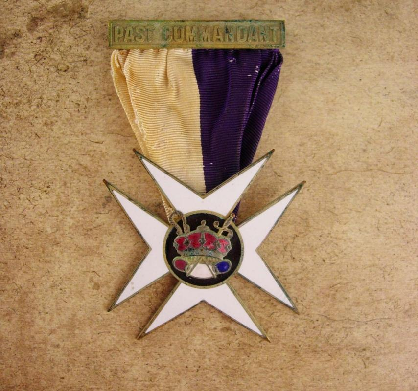Antique Oddfellow medal - past commandant maltese cross - Jewel Knights Templar Fraternal Enamel masonic ribbon