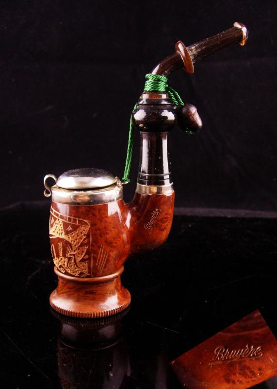 Vintage Bruyere Pipe with box - Good luck acorns - lidded stand up pipe - Hand carved German wood