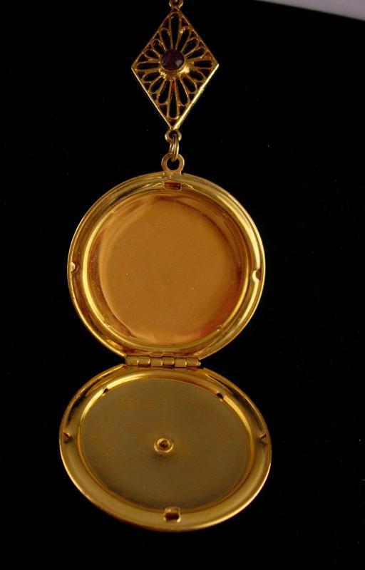 Vintage locket /Victorian style  purple rhinestone / Sweetheart photo case / romantic gift / New mom gift / Valentines Day Friendship