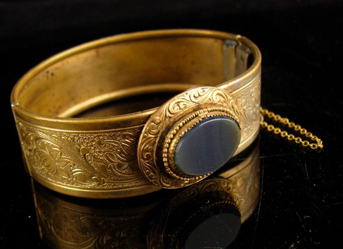 Victorian haunted stone Bracelet - vintage ornate gold metal work - antique hinged bangle bracelet