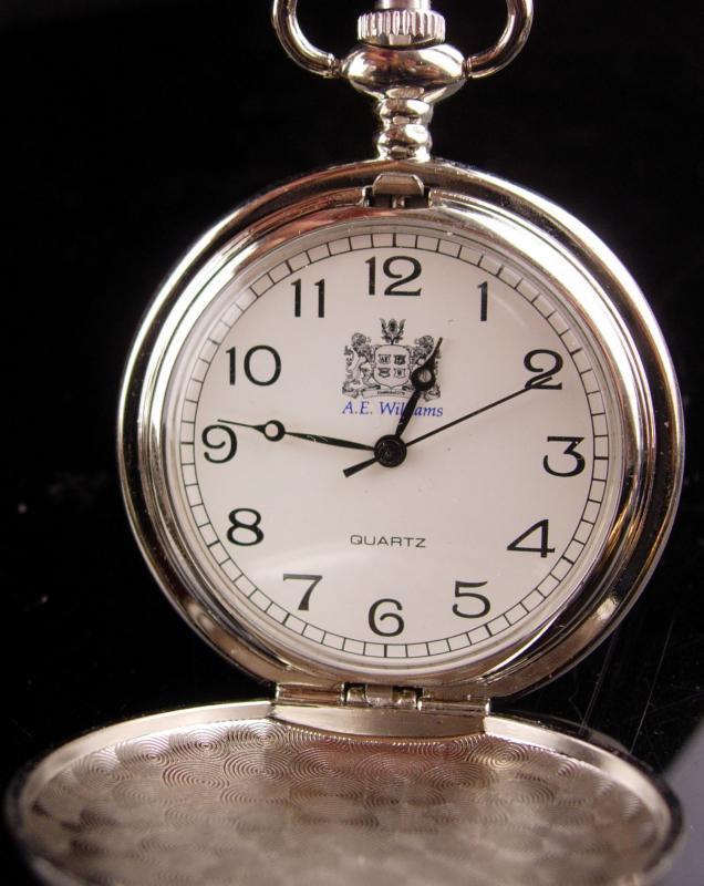 Vintage Sherlock holmes Pocketwatch - Mens novelty Steampunk victorian revival - A.E. Williams - silver hunter case Pocket watch