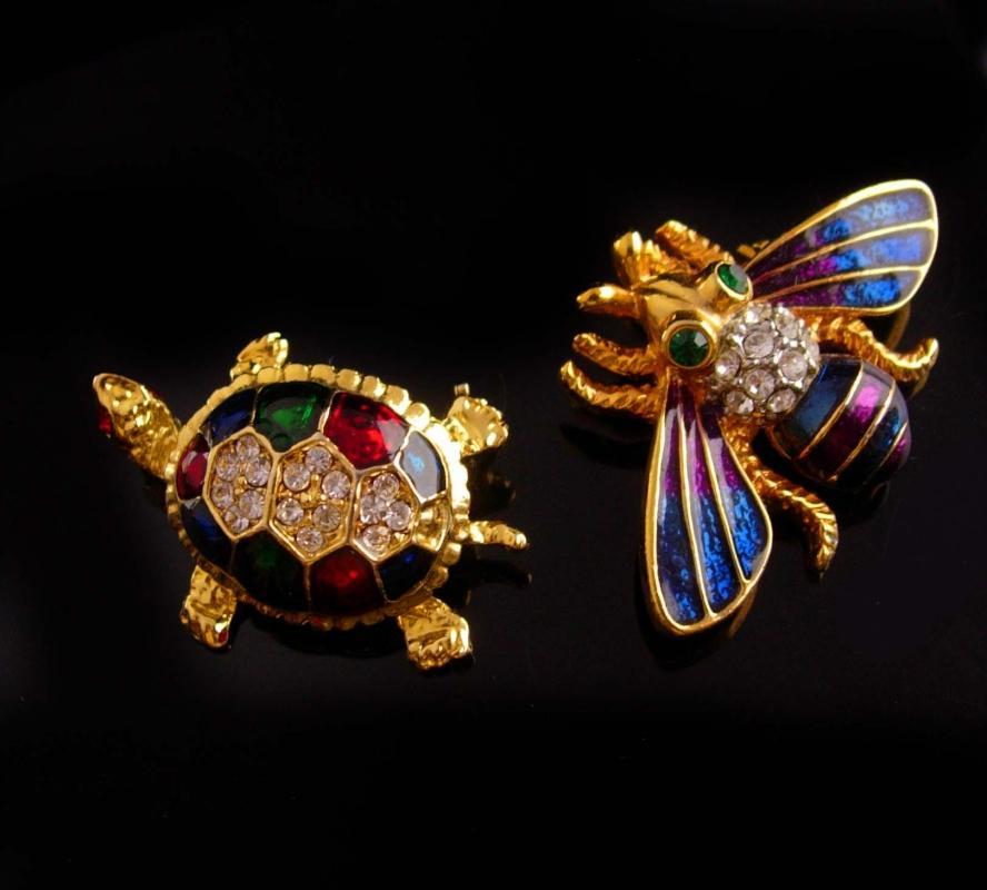 Vintage bee brooch Turtle pin set - rhinestone Insect pin - Vintage Fly - gardener gift Honey Bee gold figural jewelry