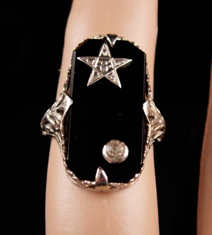 Antique 18kt GOLD diamond Ring - Art Deco filigree setting - star ring - vintage estate jewelry