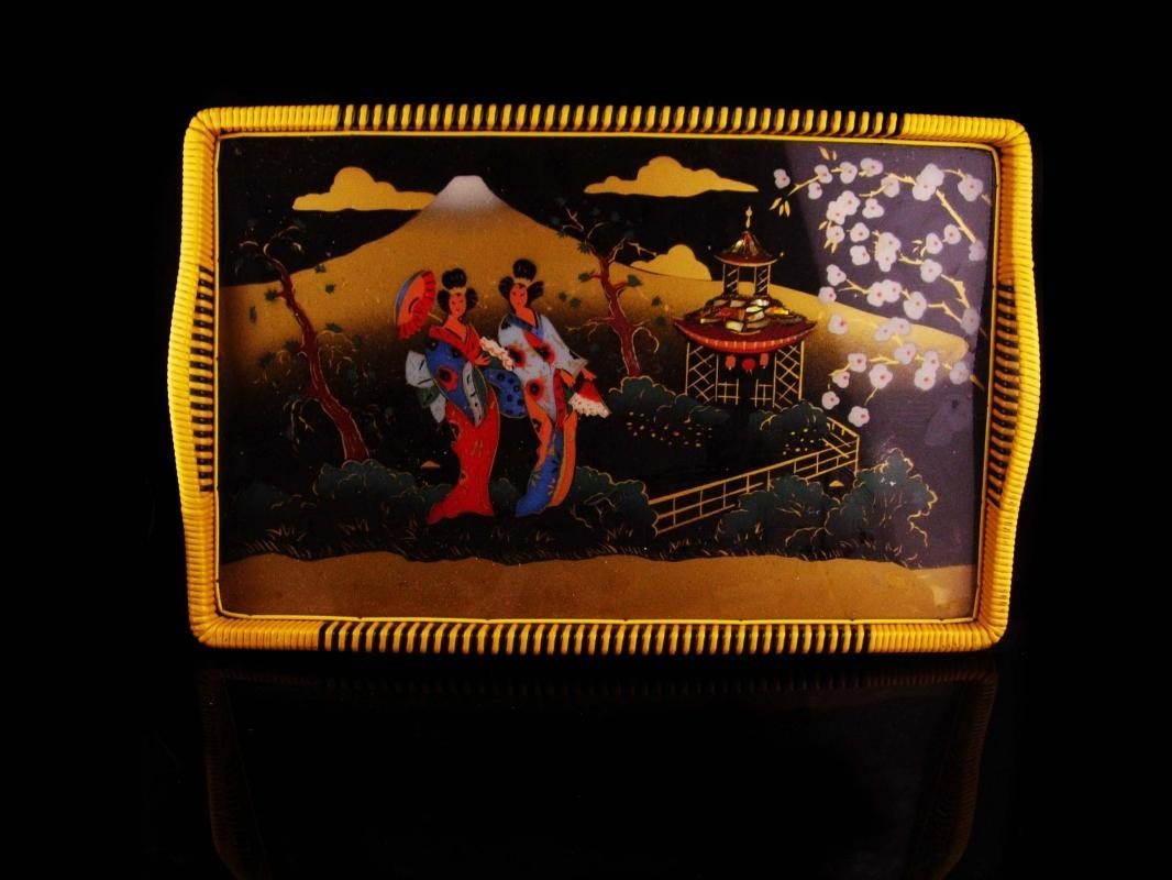 Vintage Reverse Painted Tray - Geisha theme - Oriental Asian art - abalone inlay - Chinese painting
