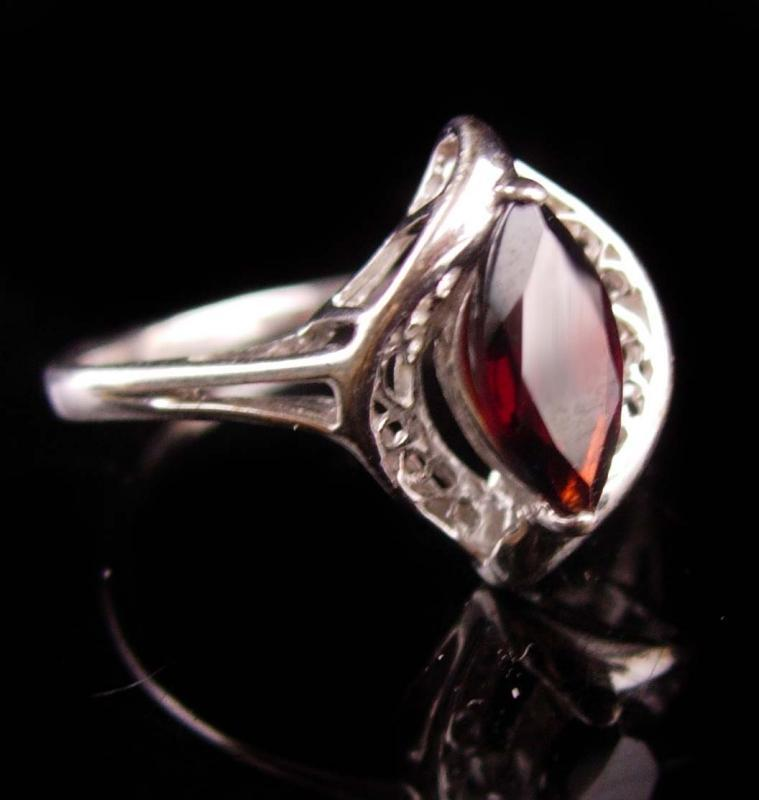 Marquise Garnet ring - Vintage Sterling size 8 ring - January  Birthstone Jewelry