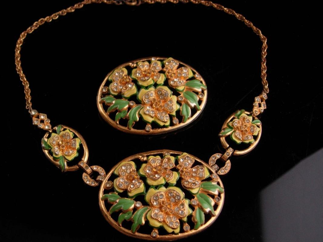 Vintage enamel necklace set - flower brooch - demi Parure - hand painted - rhinestone costume jewelry