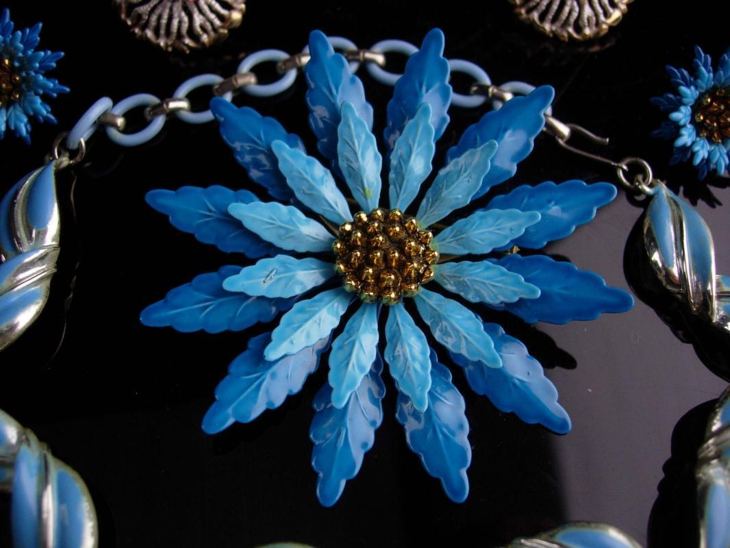 1950s lot - Coro Necklace - BIG flower brooch & earrings - enamel HUGE brooch set - blue choker - costume jewelry lot