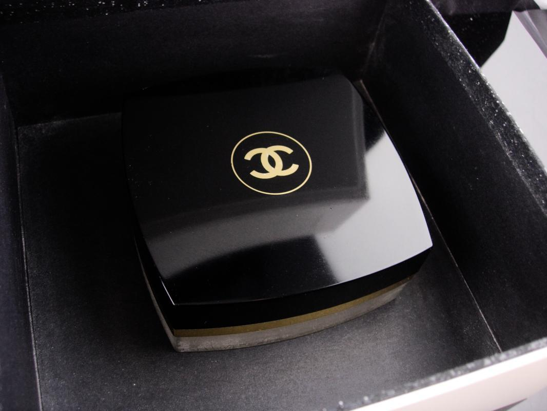 Vintage 5oz Chanel powder and BOX - loose dusting powder - silky after bath powder