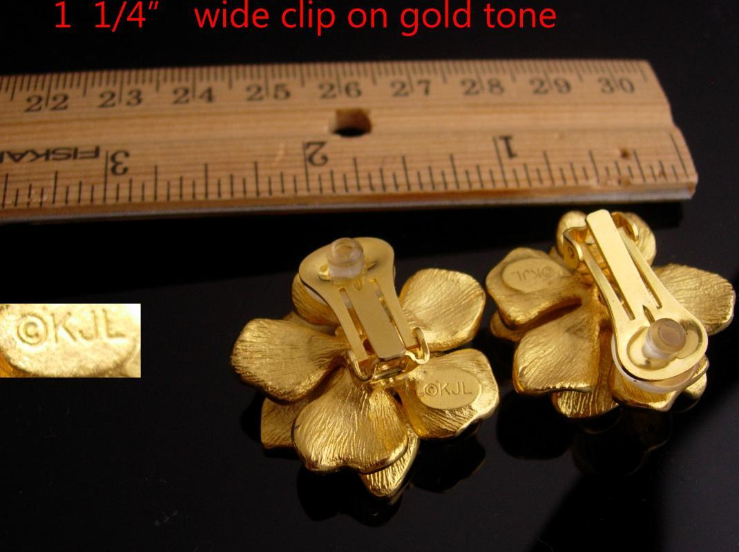 KJL Vintage  earrings - golden flower - Designer gold clip on set - Couture jewelry - kenneth Jay Lane
