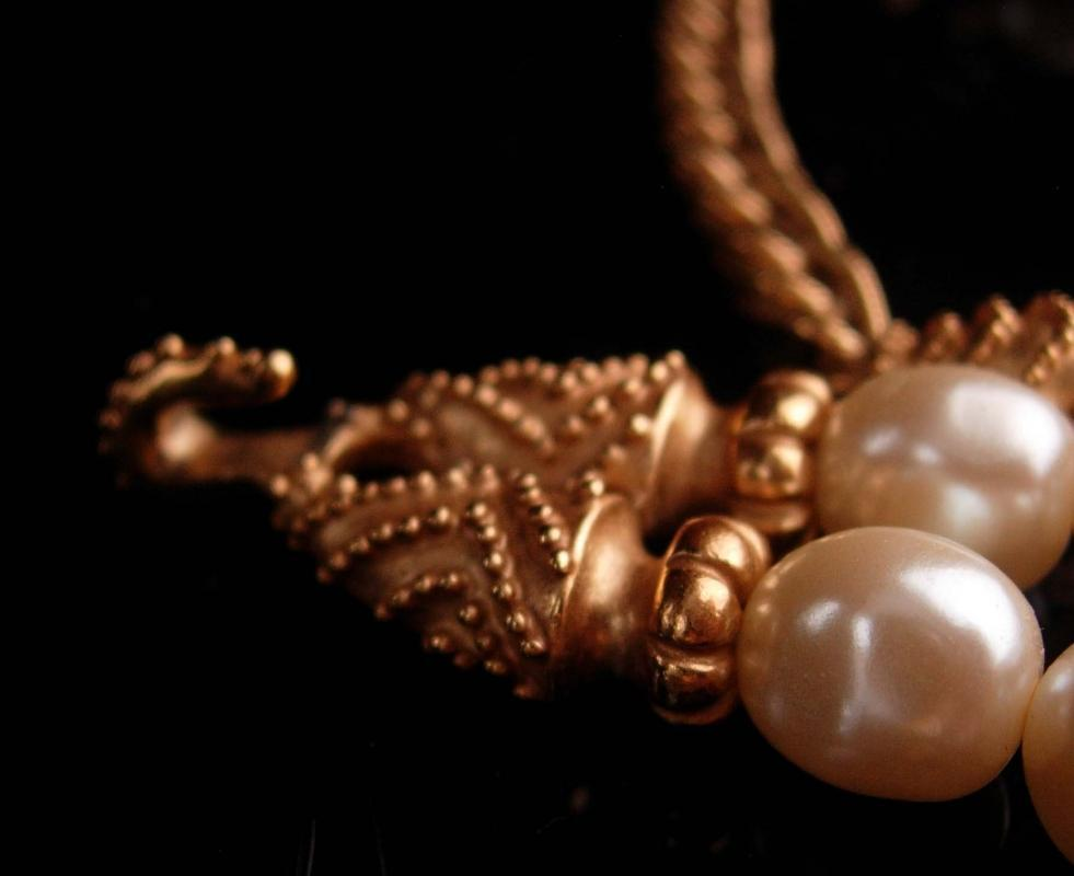 Vintage Couture Pearl necklace - Mary McFadden Love knot wedding choker - designer etruscan rope 1988FM