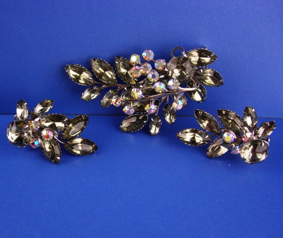 1950s Large Rhinestone brooch set - smoky topaz clip on earrings - 3