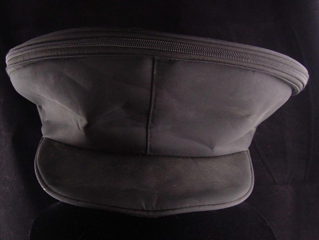 USMC Dress blues marine hat - With carrying case - White vinyl - never worn SIZE 6 3/4 KINGFORM cap