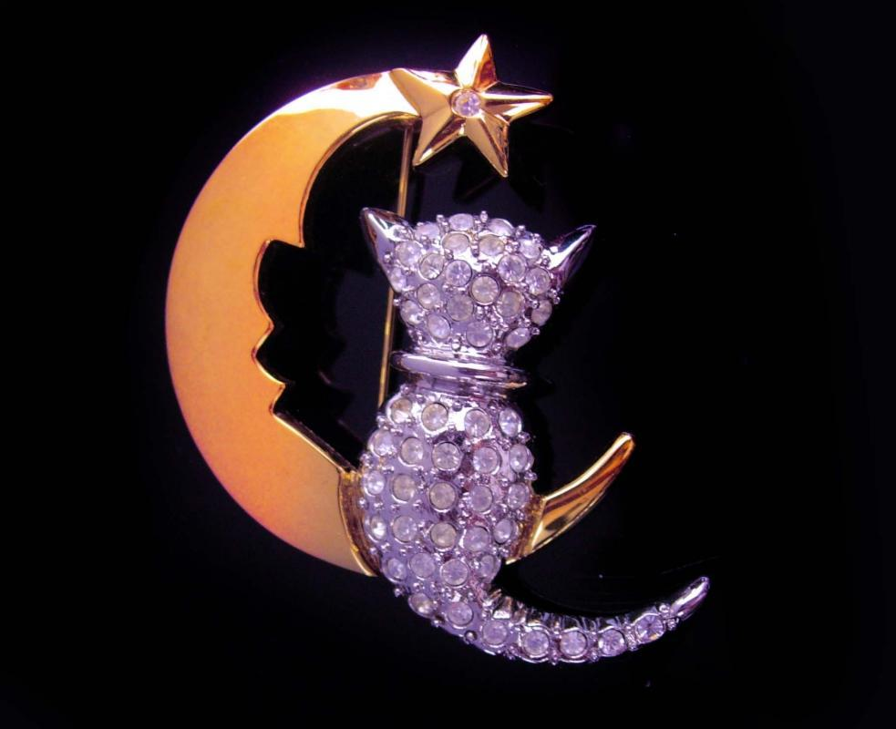 Rhinestone cat brooch -  Moon Stars  Pin - Vintage magical jewelry - gold silver cat lover gift - celestial gift