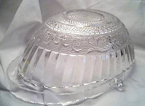 Glass/Basket W/Molded Design/Clear Plastic Handle