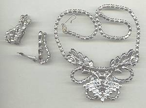 Set(s)Unmarked Silvertone W/Clear Rhinestones Necklace and Bracelet