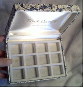 Cases/Boxes/Sarah Coventry Blue & White Floral Small Jewelry Case