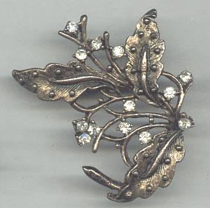 Brooch/Antiqued Goldtone Foliate W/ Clear Rhinestones