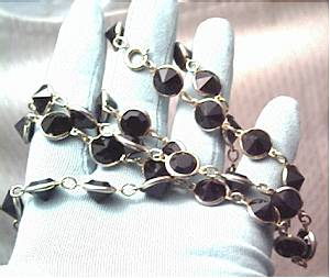 Necklace/Goldtone W/Collet Set Large Black Glass Chatons