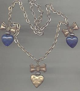 Necklace/Contemporary/Chain With Three Heart Charms