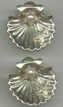 LOT/2-Brooches/Goldtone Sea Shells with a Faux Pearl and a Tiny Starfish