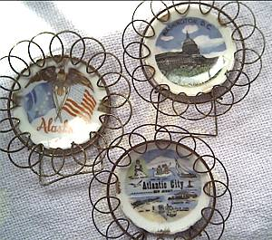 Collectibles/3 Miniature Souvenir Plates In Wire Frames